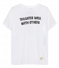 CLOTHES - TAILGATES WELL