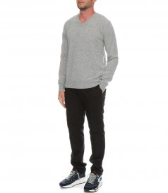 WOOL AND CASHMERE VEE NECK SWEATER