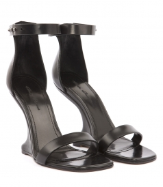 ANKLE STRAP CANTILEVERED