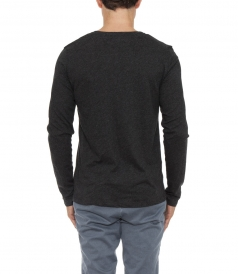 LIGHT V-NECK LONGSLEEVED TEE