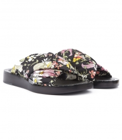 NAGANO SLIDE SANDALS FT RUCHED FLORAL PRINTED CRISSCROSS STRAPS