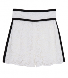 FLORAL LACE SHORTS FT BLACK DETAILING