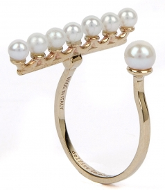 9K YELLOW GOLD VEIN RING FT WHITE FRESHWATER PEARLS