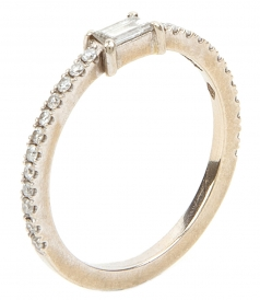 ROUND RING SET WITH WHITE DIAMONDS & WHITE EMERALD CUT DIAMOND