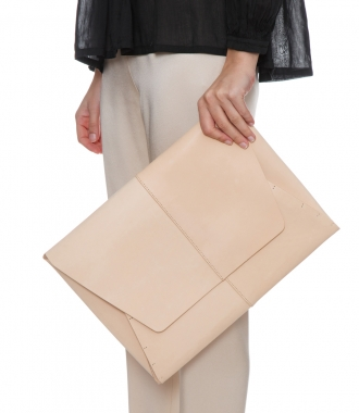 BIG LEATHER CLUTCHBAG
