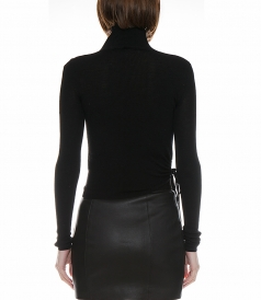 RUCHED WOOL TURTLENECK