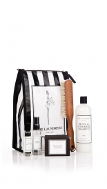 THE LAUNDRESS CASHMERE CARE GIFT BAG