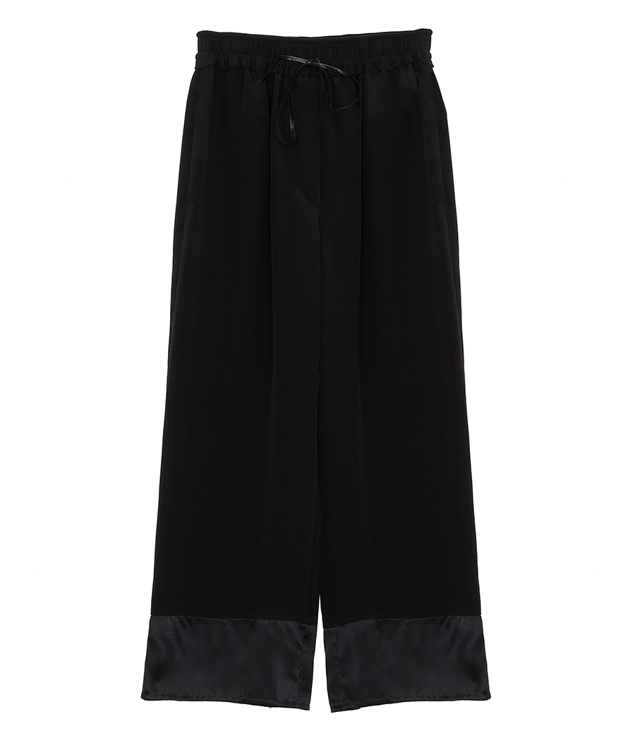 Wide Leg Pants & Flares Whether you prefer palazzo or wide leg, baggy trousers are back this season, with supersize silhouettes reigning supreme. Working volume into your wardrobe, we love how whimsical the flowing wide leg feels.